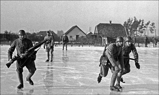 11 January 1940 worldwartwo.filminspector.com Dutch soldiers skating