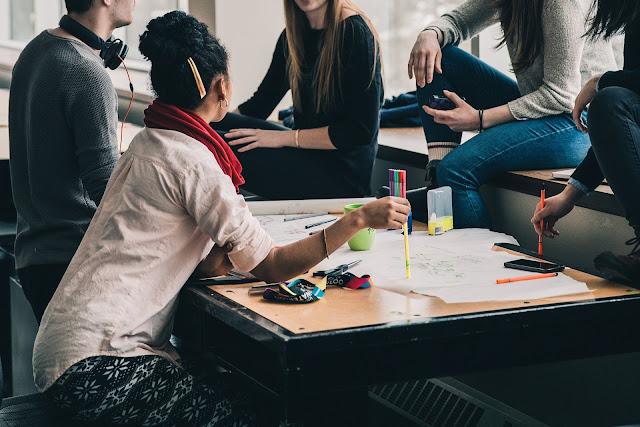 Collaborer Collaboration Travail en équipe