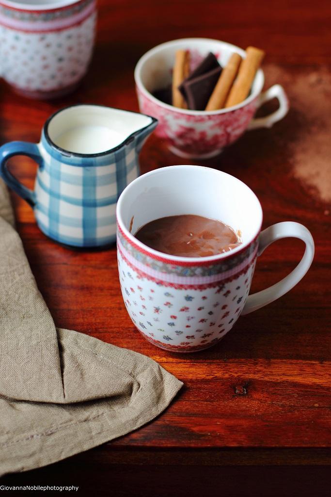 Cioccolata calda all'aroma di cannella