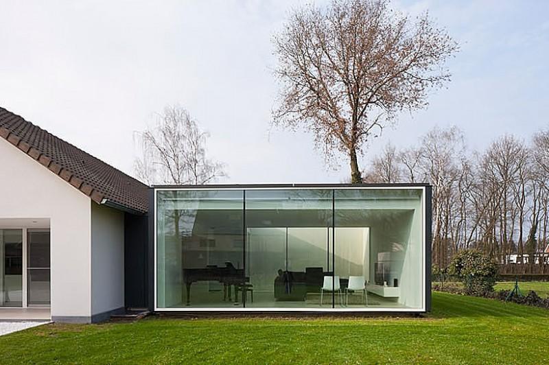 Hogares frescos casa de marco minimalista por cocoon for Casa minimalista rustica