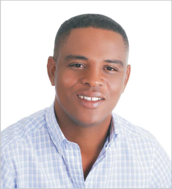 Candidato a la presidencia del PRM por el municipio de Santa Cruz de Barahona Ing. Elson Peña felicita los periodistas hoy en su día