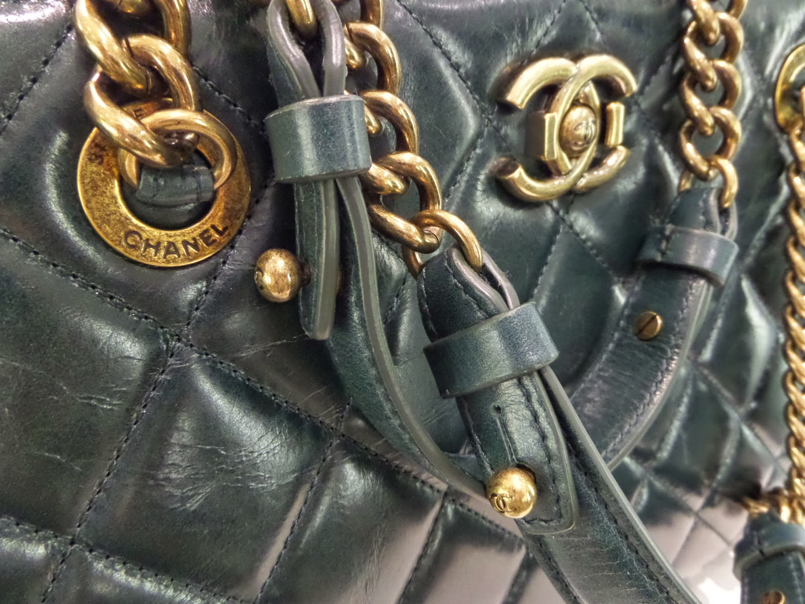 b3cb4f89dee6e3 Once Again Resale is set apart from other consignment shops in Vancouver  because we specialize in the consignment of high-end handbags, shoes,  jewelry, ...