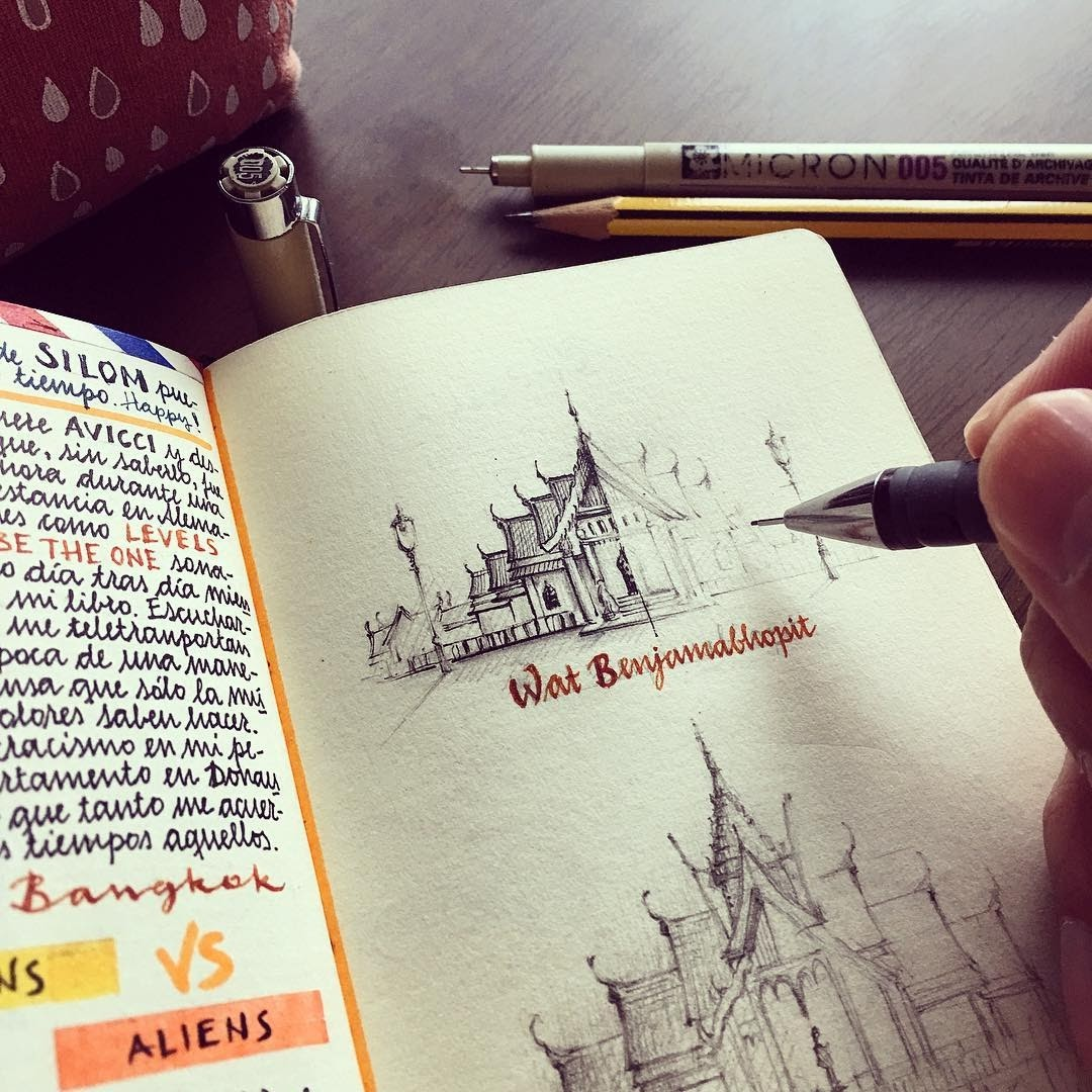 05-Temples-in-Thailand-Jose-Naranja-Urban-Drawings-Travel-Journal-www-designstack-co