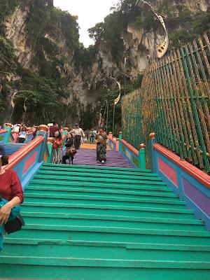Batu Caves, Kuala Lumpur, Tempat menarik di Kuala Lumpur, Tangga Batu Caves