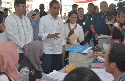 Presiden Jokowi : Saya Senang Masyarakat Lombok Gunakan Rumah Tahan Gempa