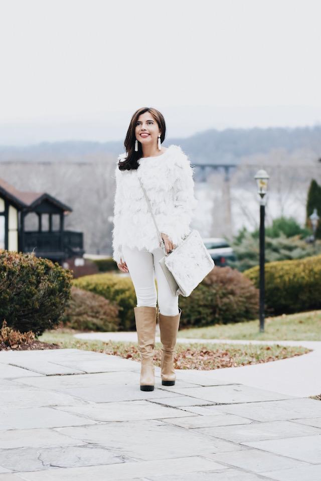 Wearing: Statement Earrings/Aretes: BaubleBar Tshirt/Blusa: SheIn Pants/Pantalones: SheIn Boots/Botas: DBDK (Similar Here) Bag/Bolso: Charlotte Russe
