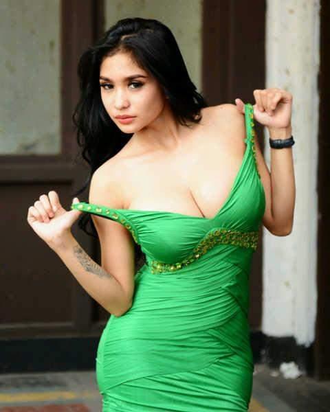 Bibie Julius New Latest Indonesian Hot Model