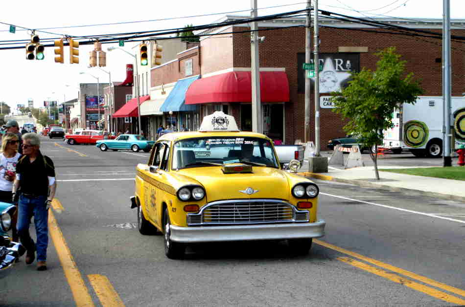 Jim young reporter august cruise in brought out cool cars for Park place motors crossville tn