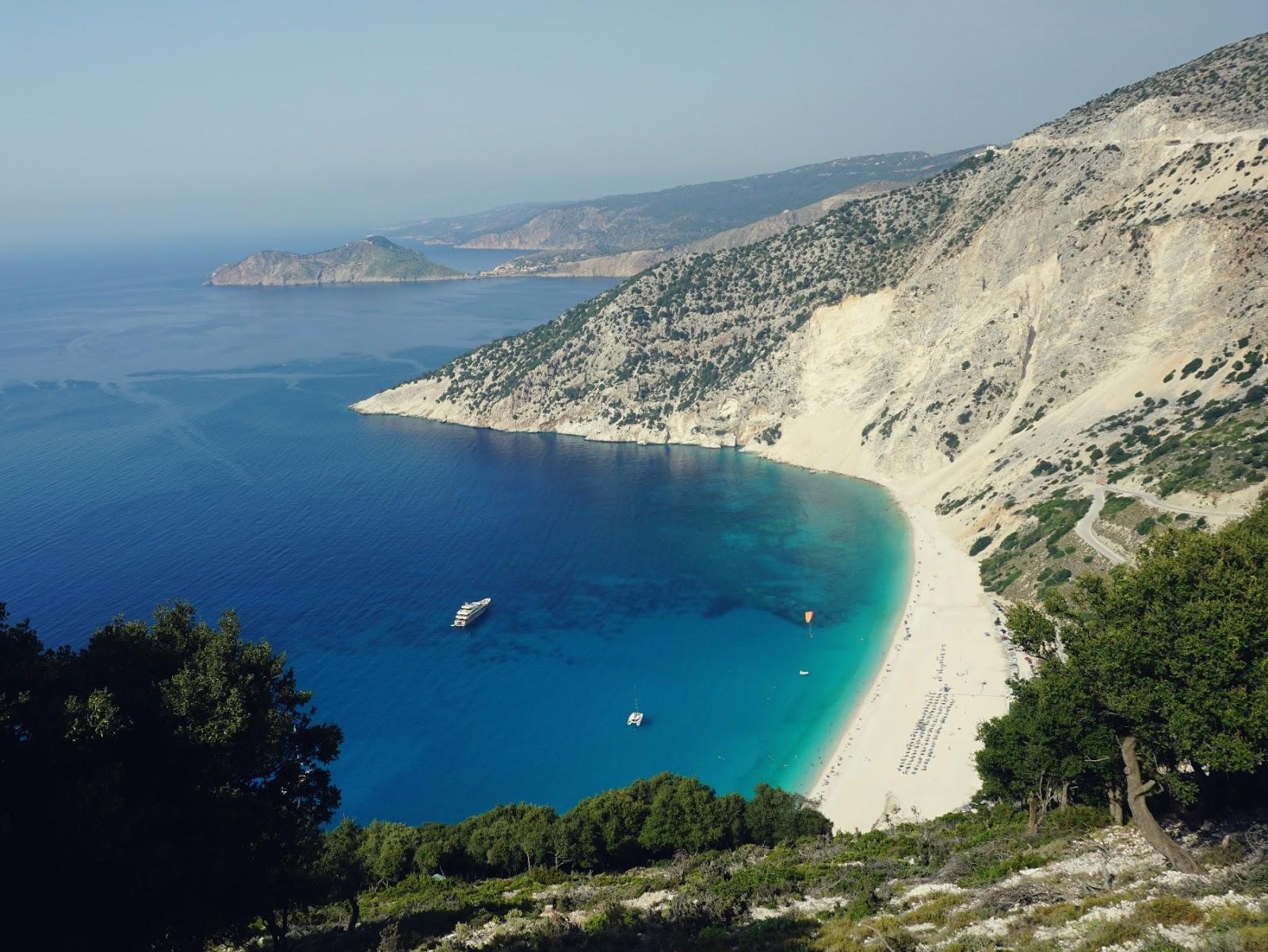 plaża Myrthos, Kefalonia, plaża, biała plaża, najpiękniejsza plaża w Grecji, Grecja, wyspy jońskie, wakacje w Grecji, wczasy w Grecji, blog o podróżach, panidorcia