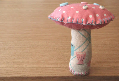 Toadstool Tutorial by LucyKate Crafts, featured on Feeling Stitchy by floresita