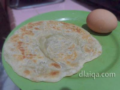 roti canai dan telur ayam