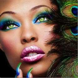 Maquillaje colorido para mujeres de piel negra