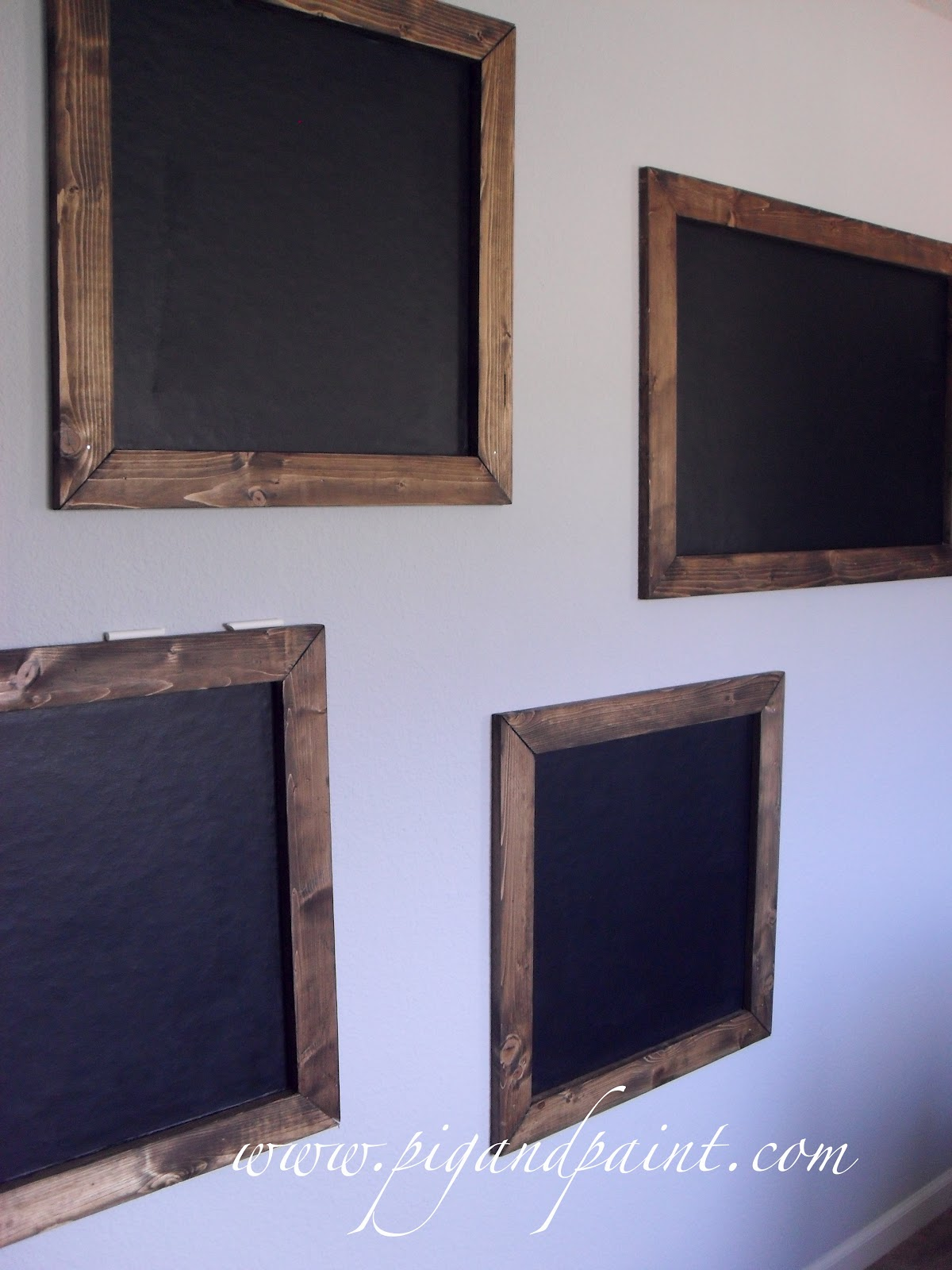 pig and paint using chalkboard paint on heavily textured walls. Black Bedroom Furniture Sets. Home Design Ideas