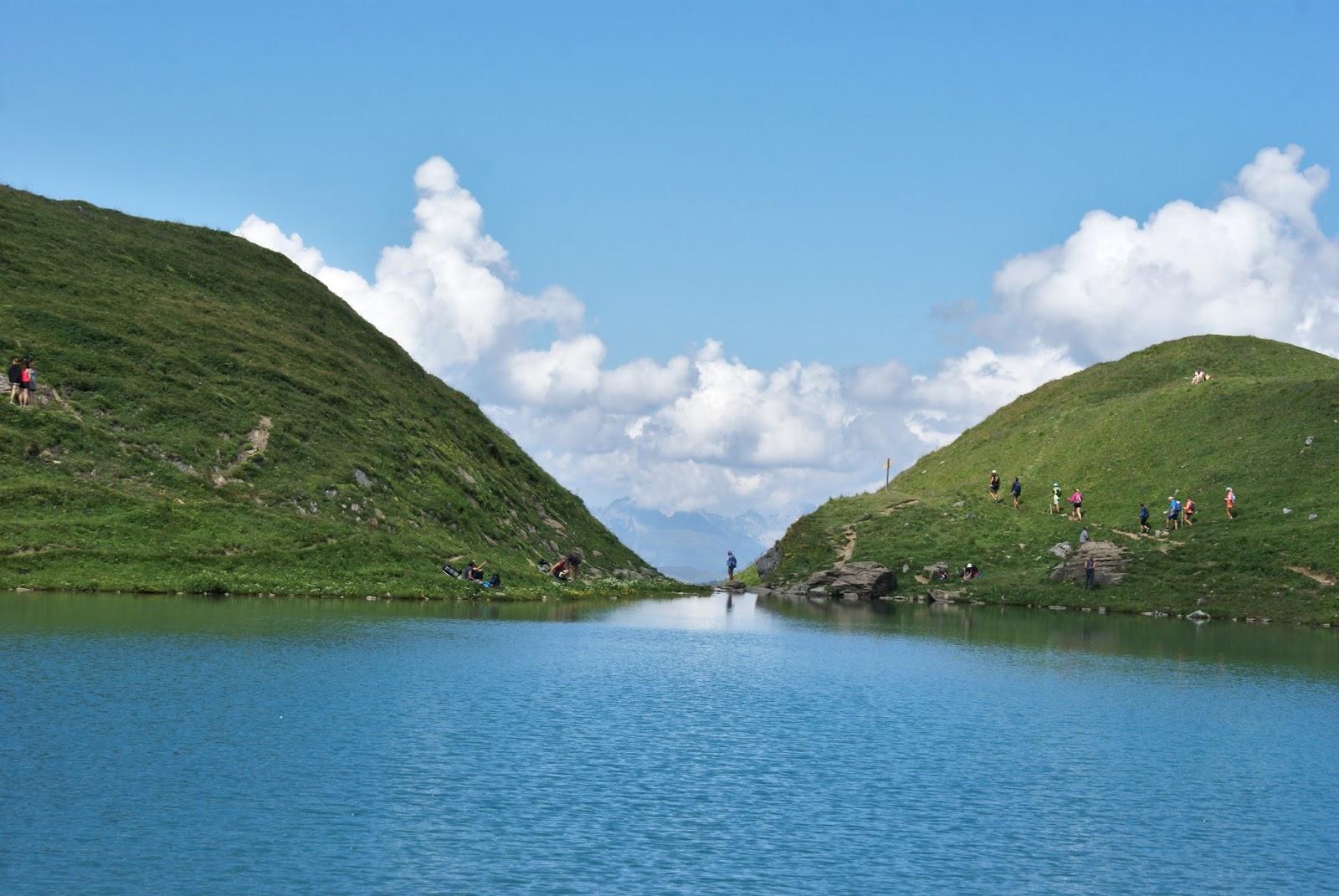 beaufortain lac amour montagne savoie france alpes