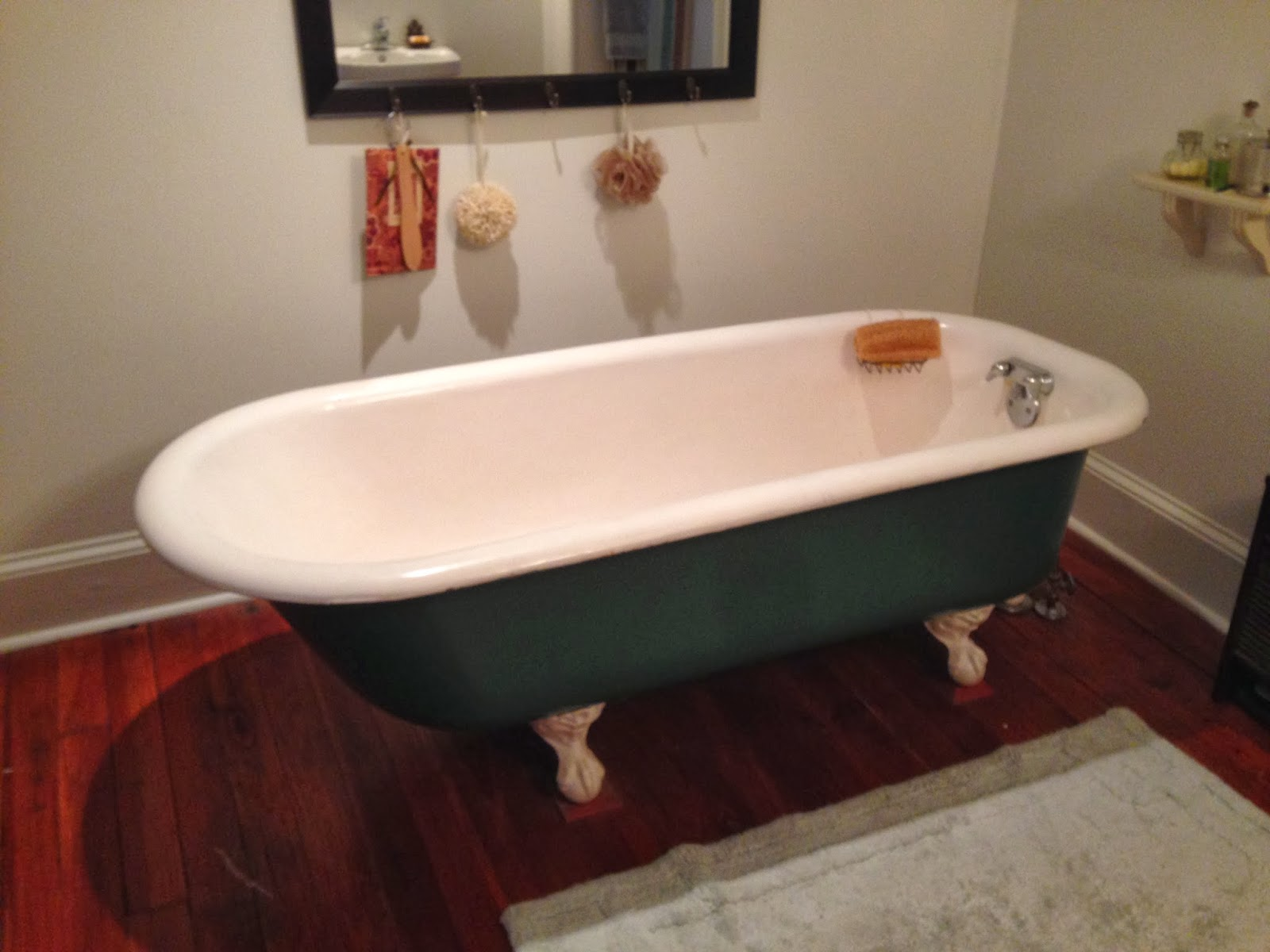 Hidden Magnolias: Cast Iron Bathtubs