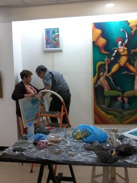 Préparatifs de l'expo de l'atelier artémisia 21
