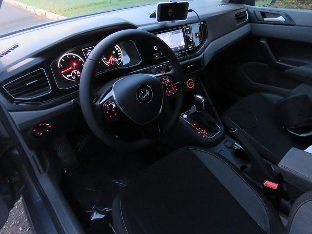VW Polo 200 TSI Comfortline Automático - interior