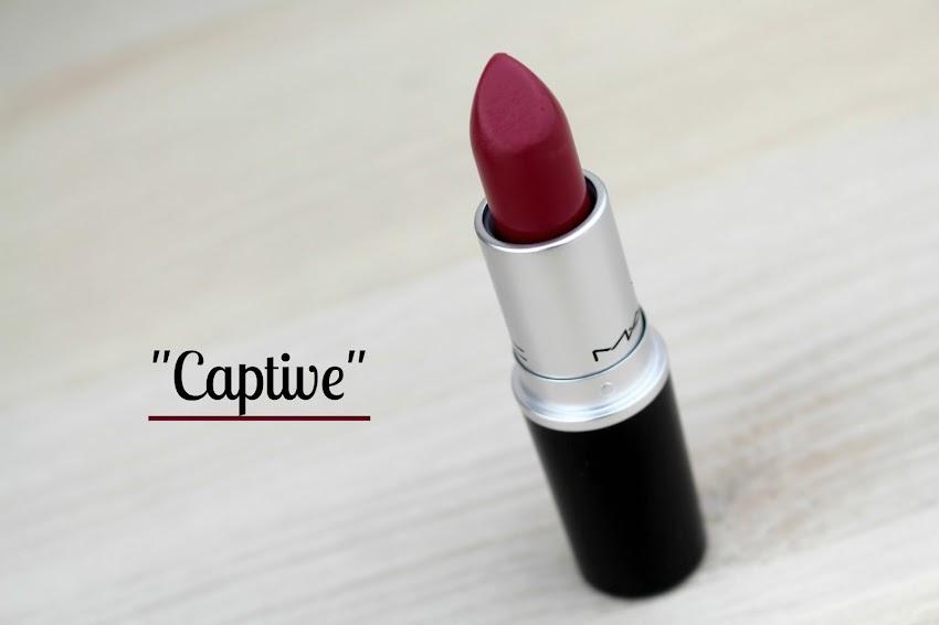 Rouge à lèvres Captive de MAC swatchs