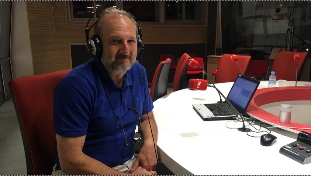 El supositorio gente despierta las madrugadas de rne for Carles mesa radio nacional
