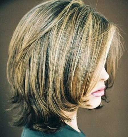 c34bf8cc1b1 Blonde and Black Highlighted Hair Color for Layered Hair