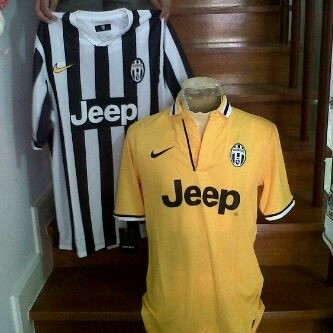 37ac37b6610 The Juve 2013 2014 Home Kit Comes Juve kit in the classical style