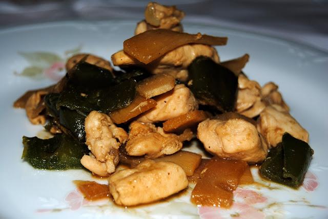 Pollo con Bambú y Pimientos Verdes (Zhú jī hé qīng jiāo)