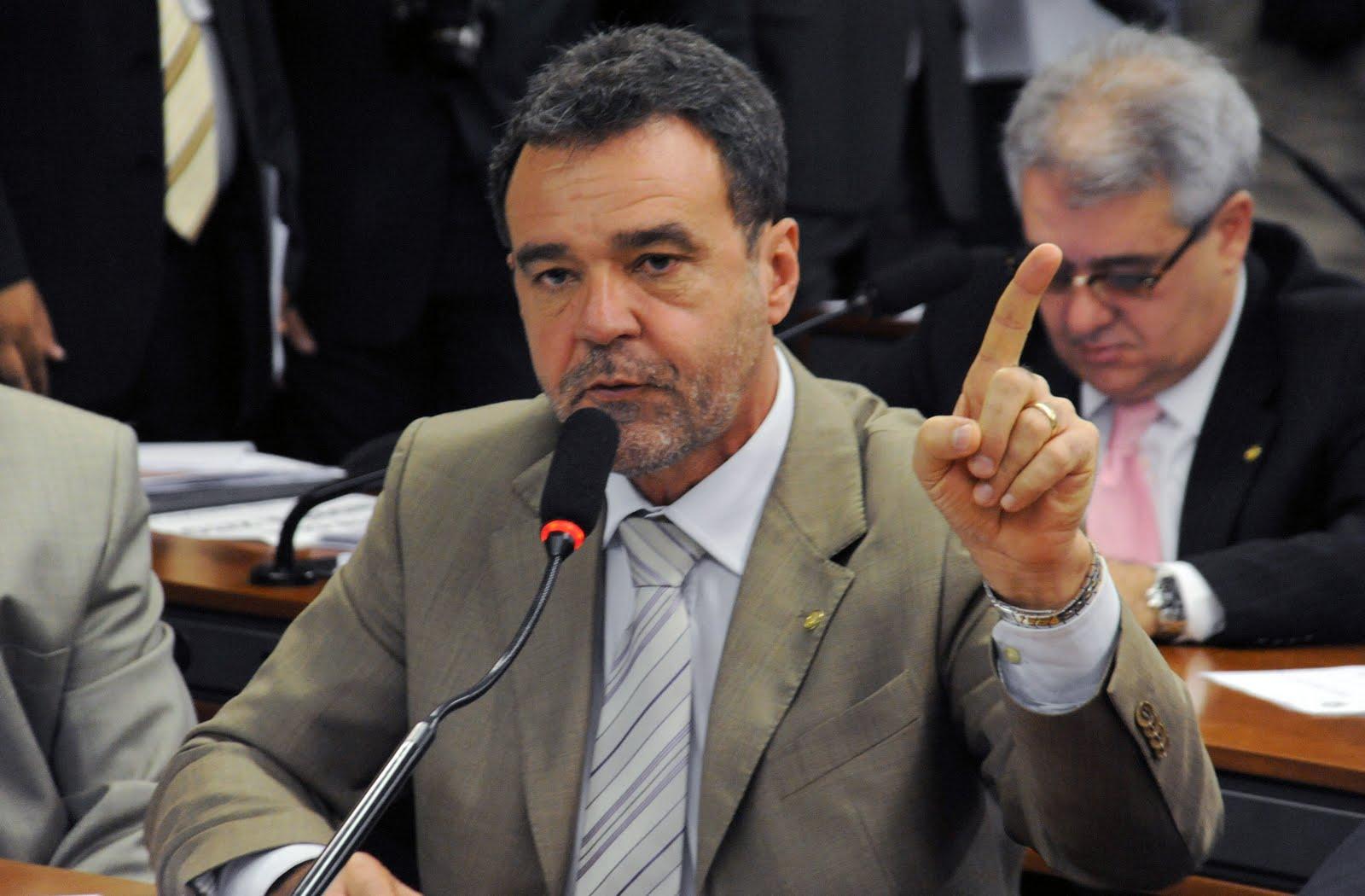 PRE aciona deputado Daniel Almeida e ex-candidato do PCdoB por compra de votos.