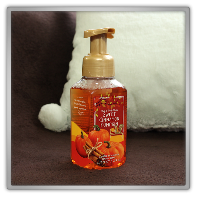 Bath and Body Works huge fall autumn Haul Review home fragrance BBW beauty blogger Gentle foaming hand soap sweet cinnamon pumpkin cozy favorites