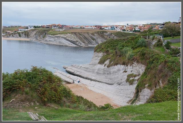 Costa Quebrada: Playa de Cerrías (Cantabria)