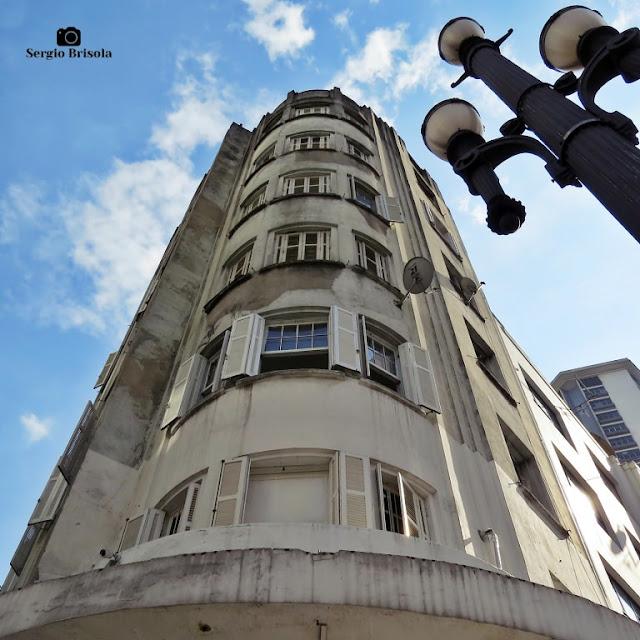 Perspectiva inferior do Edifício Bento Ferraz - Centro - São Paulo
