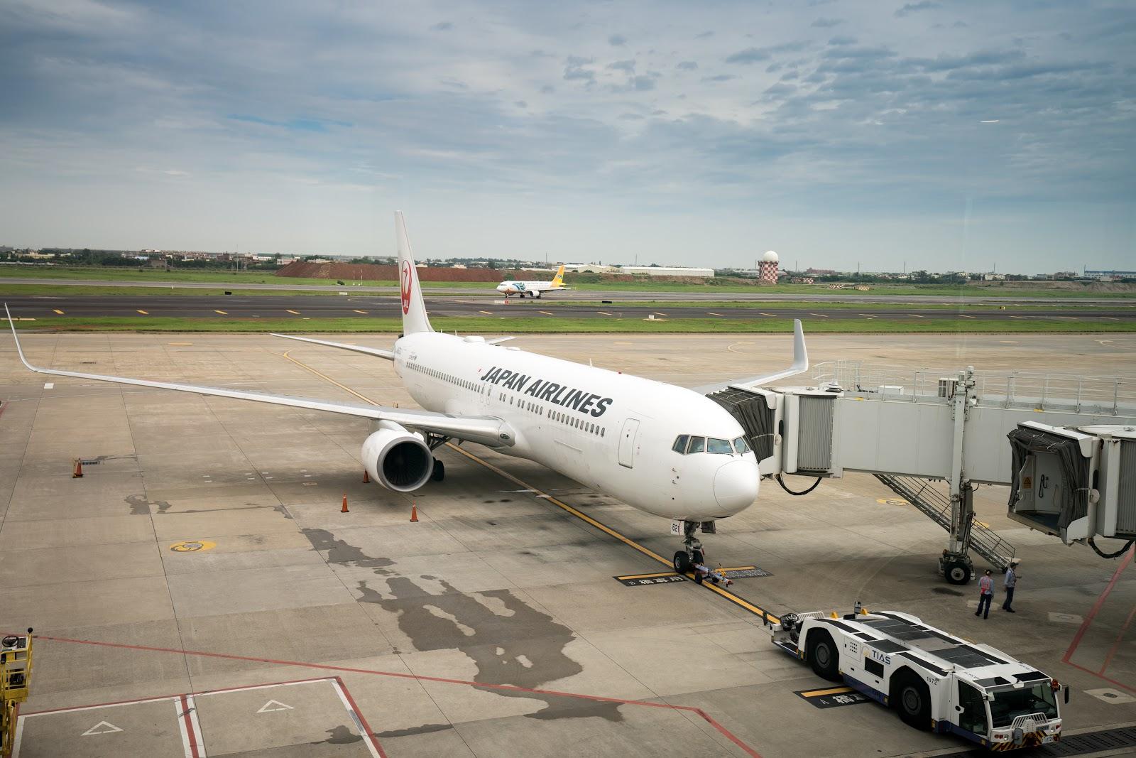 飛行紀錄|日本航空商務艙 JL802: 桃園→成田 (TPE-NRT) Boeing 波音 767-300