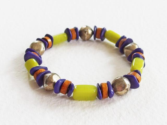 https://www.alittlemarket.com/bijoux-pour-hommes/fr_bracelet_ethnique_pour_homme_matiere_sauvage_de_metal_de_verre_de_bois_violet_verre_bronze_vieilli_-15989802.html