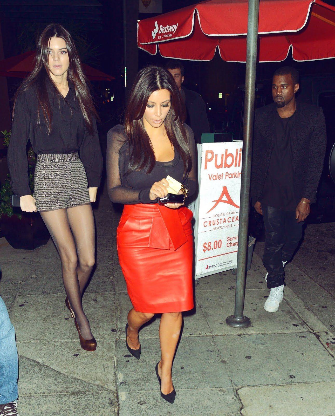 4 - Arriving at Crustacean Restaurant in Beverly Hills on November 21, 2012