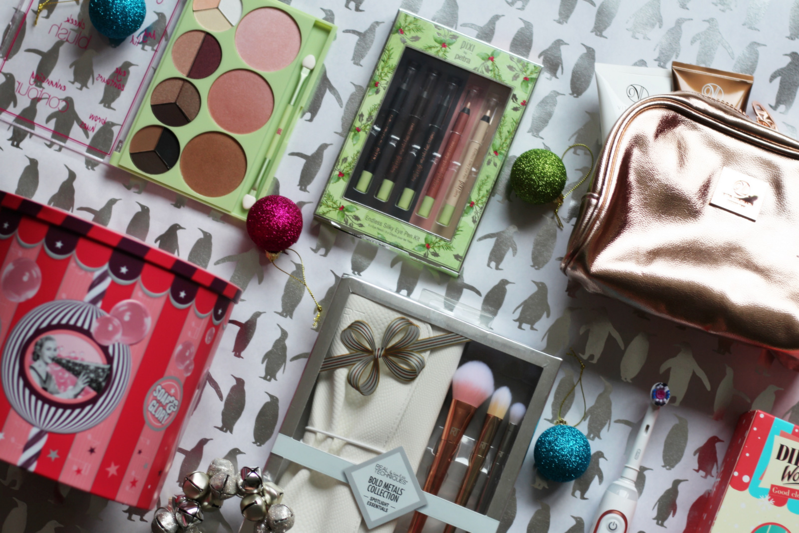 Christmas Beauty Gift Guide & Christmas Beauty Gift Guide | Strawberry Blonde