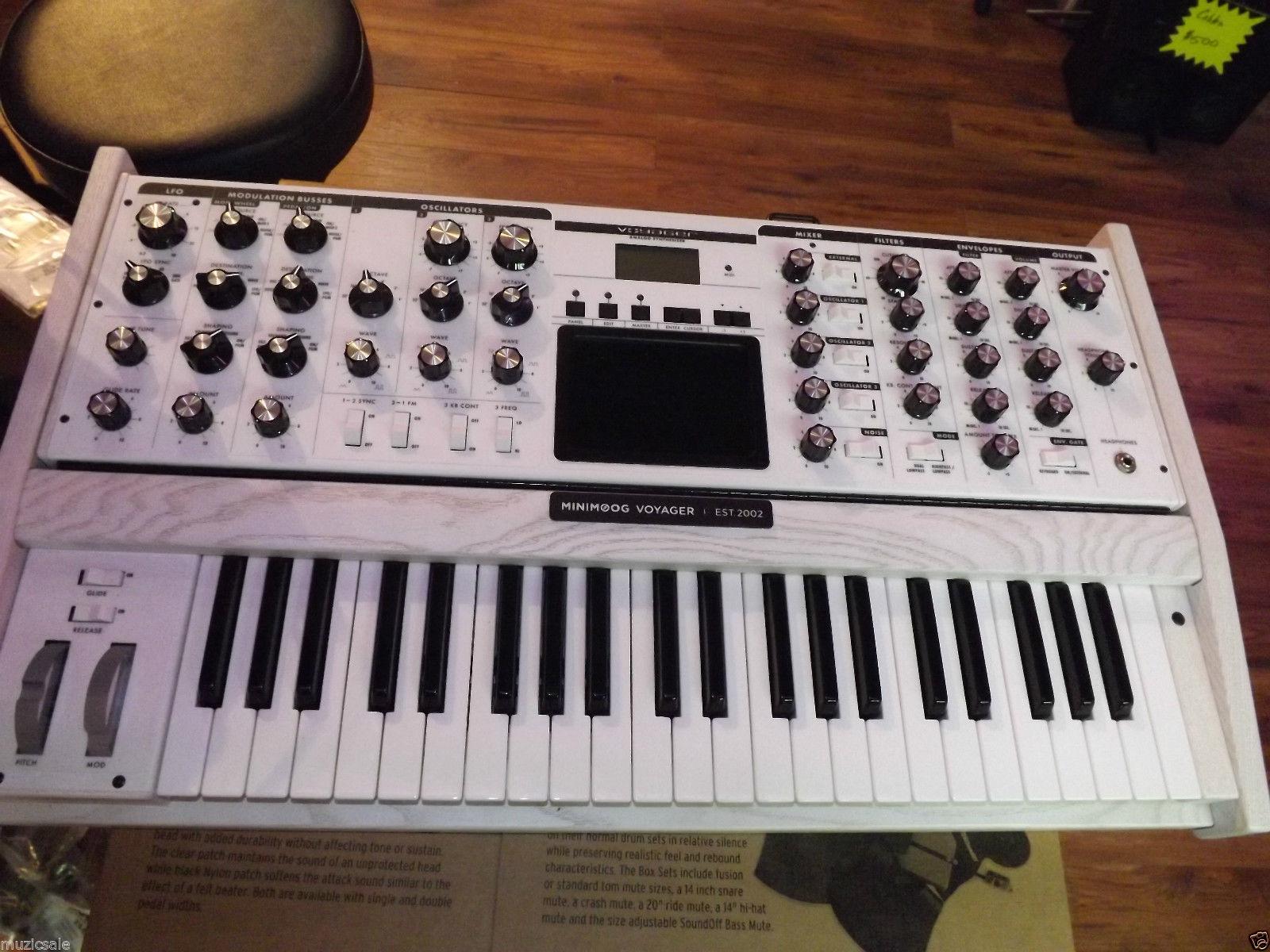 MATRIXSYNTH: Moog Minimoog Voyager Performer Edition Analog