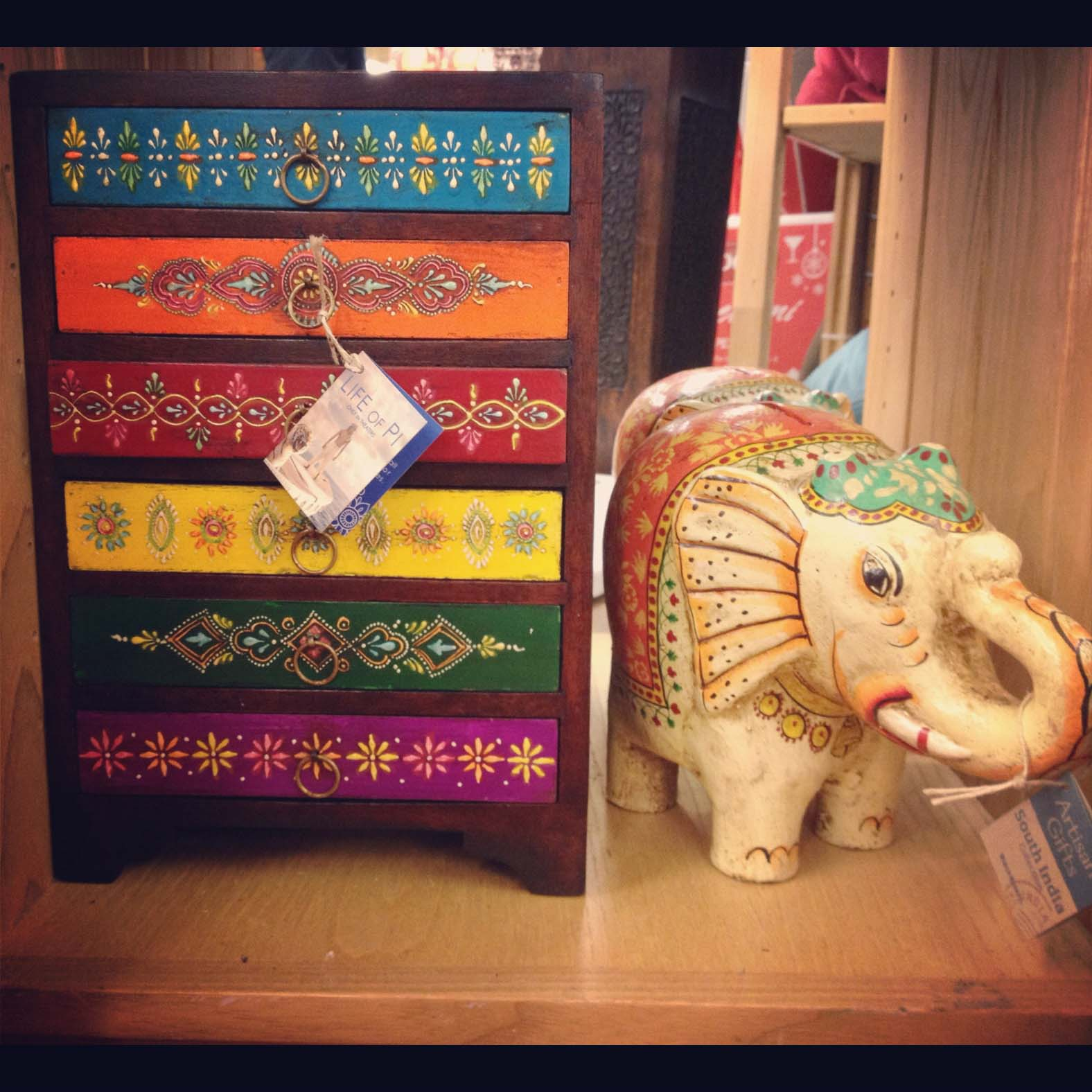 Home Decor Online Stores India: Adding Color To Your Decor