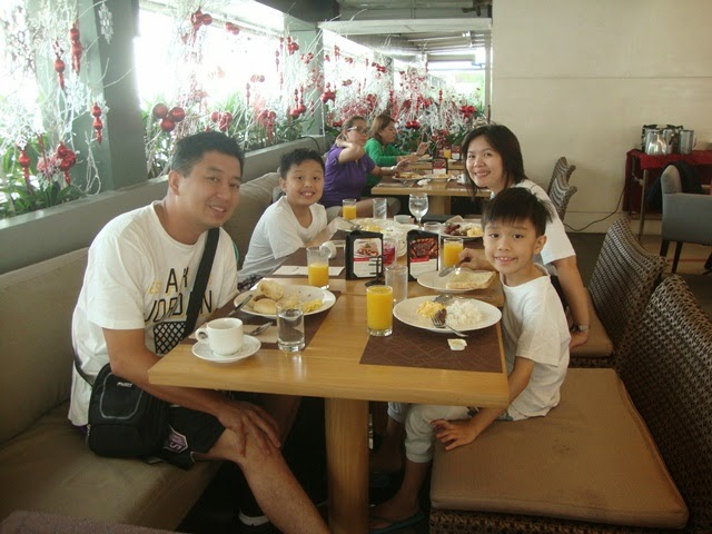 F1 HOTEL MANILA, F CAFE, BUFFET BREAKFAST, FORT HOTEL