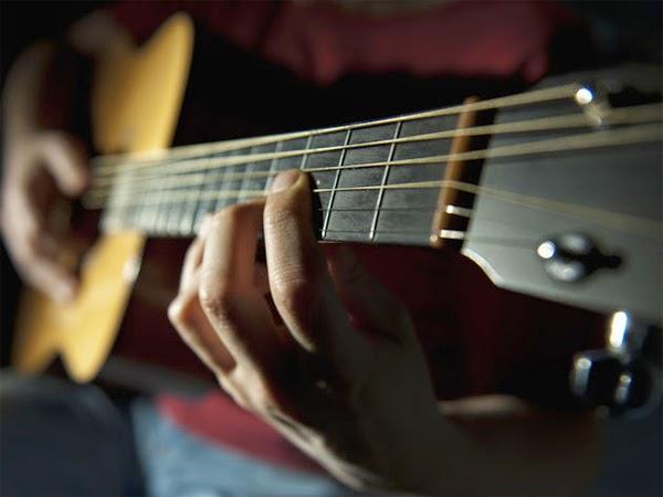 kunci dasar bermain gitar