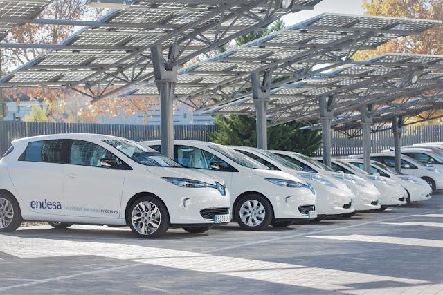 Crecimiento del número de matriculaciones de vehículos eléctricos e híbridos en España | Datos oficiales