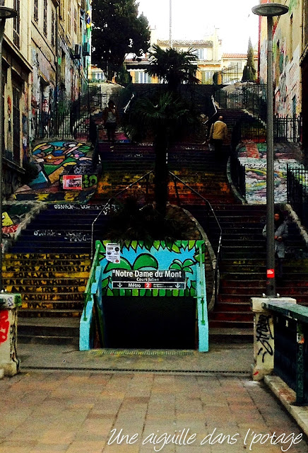 Escalier /entrée métro Marseille
