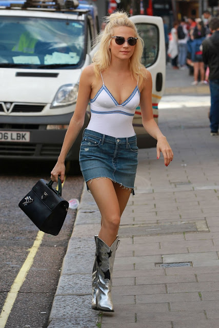 Pixie Lott Summer Street Style – Out in London