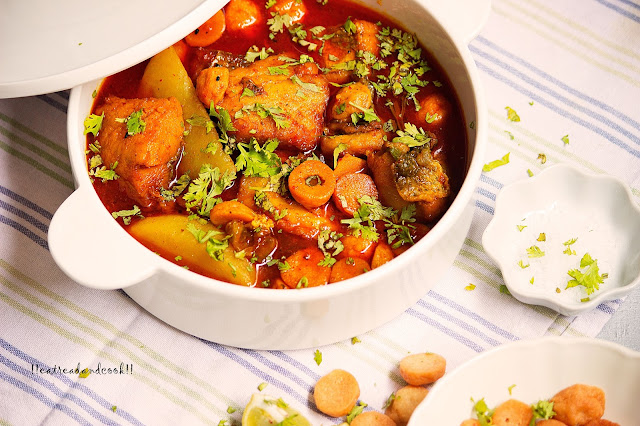 how to make Alu Bori Diye Macher Jhol / Bengali Fish Curry with Potatoes and Sun-dried Dumplings recipe and preparation with step by step pictures