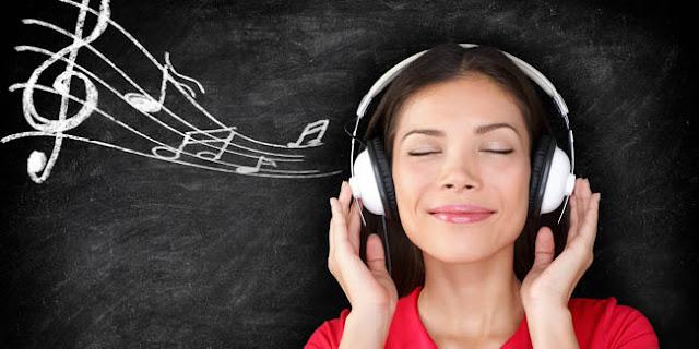 Resiko Memakai Headset Yang Berlebihan