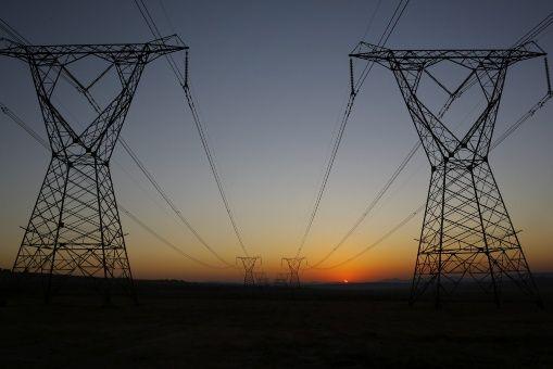 Más de 630 millones de personas no tienen electricidad en África