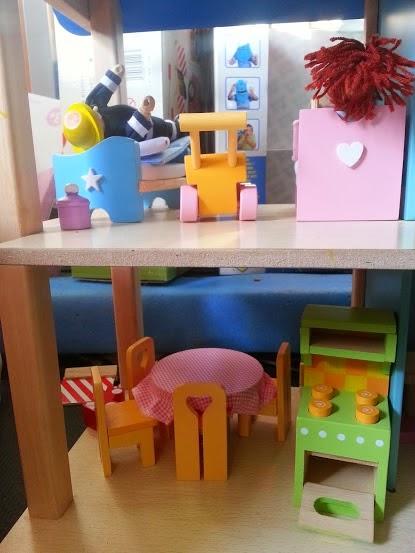 Le Toy Van Doll's House Furniture Pintoy Fireman Wonderworld Eco-House