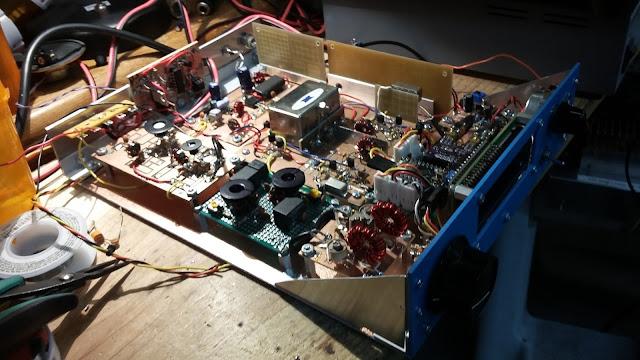 40M Junk Box SSB Xcvr in a  Blue Case 25