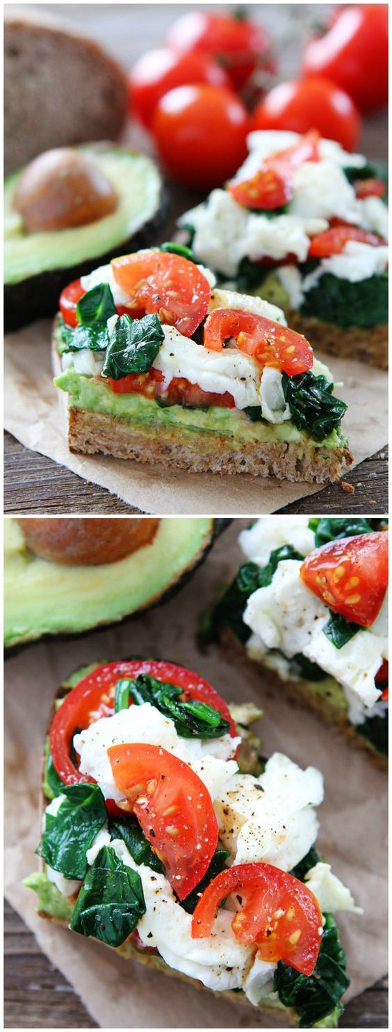 Avocado Toast with Eggs, Spinach,  and Tomatoes  #avocado #toast #egg #spinach #tomatoes #spinachrecipes #breakfastrecipes #breakfastideas