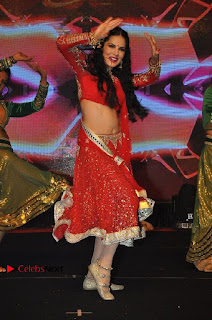 Bollywood Actress Model Sunny Leone Dance Performance in Red Half Saree at Rogue Audio Launch 13 March 2017  0120.jpg