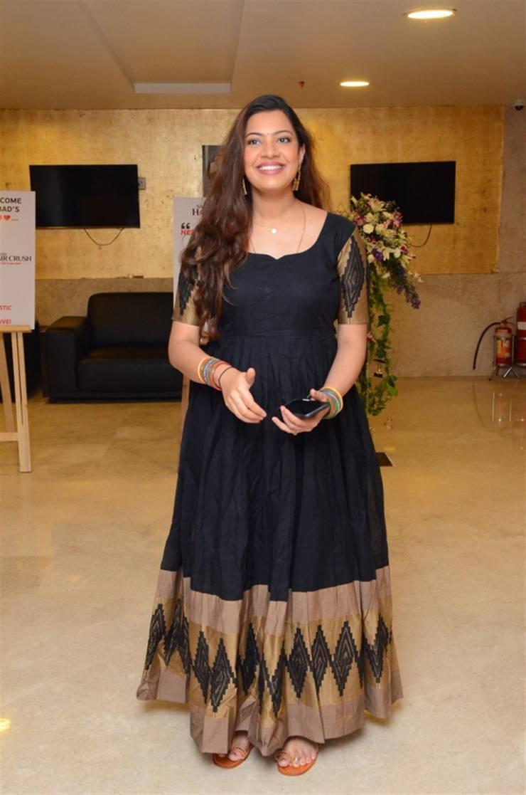Indian Hot Singer Geetha Madhuri Long hair Black Dress
