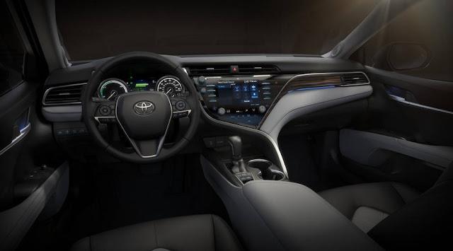 2018 Toyota Camry Review Interior